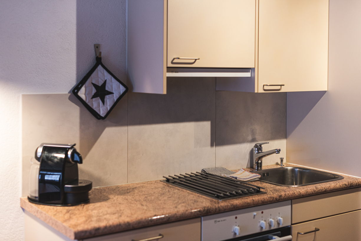 1 zimmer wohnung allegra ihr ferienhaus in zermatt. Black Bedroom Furniture Sets. Home Design Ideas