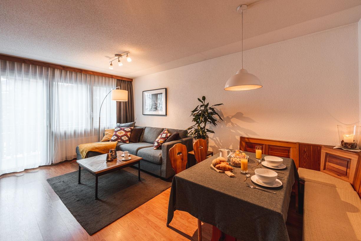 2 zimmer wohnung allegra ihr ferienhaus in zermatt. Black Bedroom Furniture Sets. Home Design Ideas